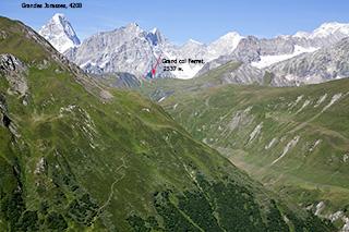 вид на пер. de Ferret из Швейцарии