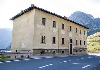 перевал Сен-Бернар, Via Francigena, здание приюта