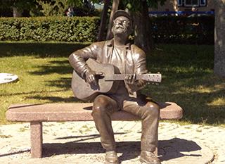 памятник Карнягису, Литва