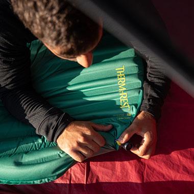 самонадувающийя коврик therm-a-rest trail pro комплектация winglock